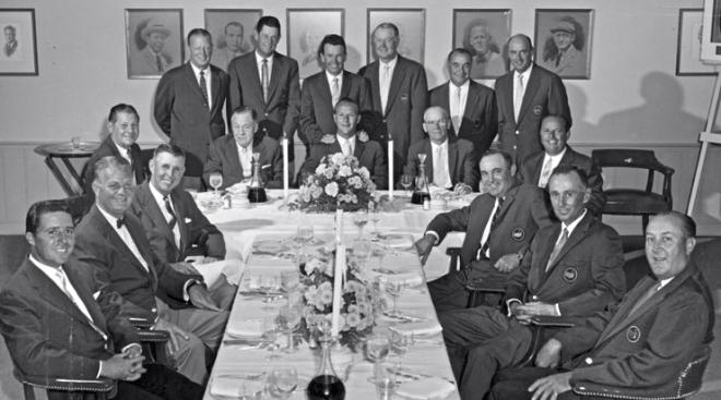 Das Championsdinner (hier die Herren von 1963): Tafelrunde mit gelegentlichen kulinarischen Zumutungen. Foto: www.masters.com