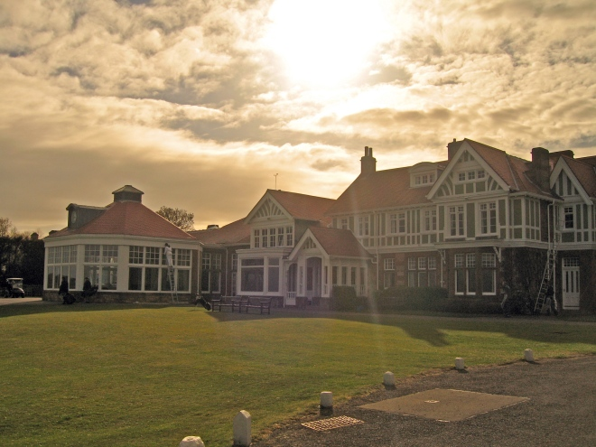 Das Clubhaus von Muirfield: Gastgeber der 142. Open Championship. ©: John Mundy | flickr/cc